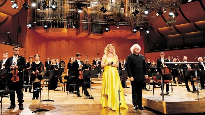 Konzert des BRSO unter der Leitung on Sir Simon Rattle mit Magdalena Kozena.