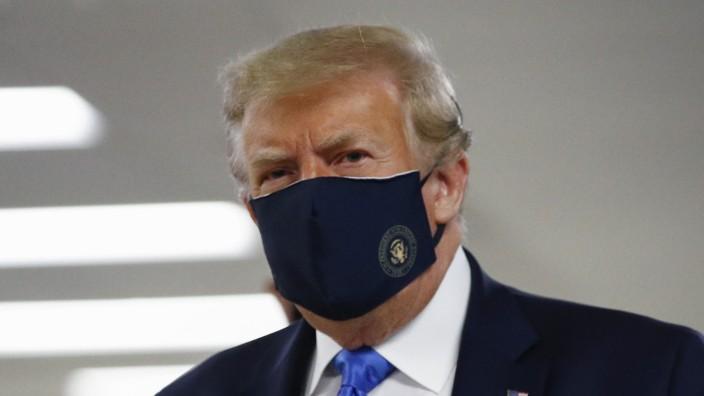 US-Präsident Trump mit Nasen-Mundschutz