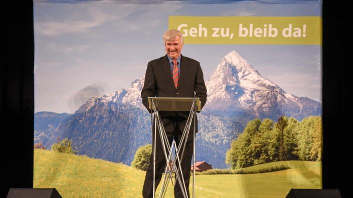 Kultursommer: Auch als Horst Seehofer hat Krebs in seinem Programm etwas zum Thema Landflucht zu sagen.