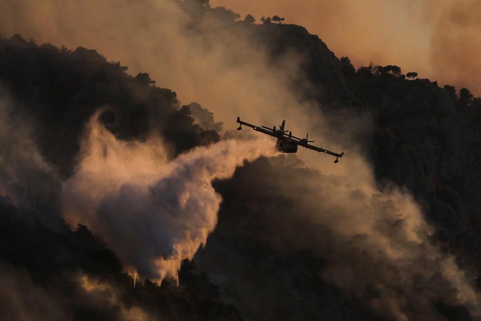 Wildfire near the village of Kechries