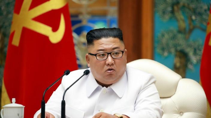 Nordkoreas Machthaber Kim Jong Un bei Politbürositzung