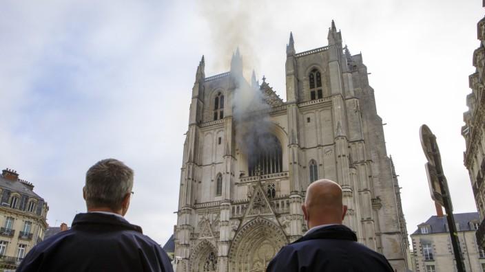 Brand in Kathedrale von Nantes