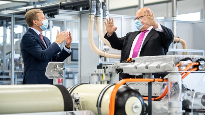 Altmaier besucht BMW Innovationszentrum