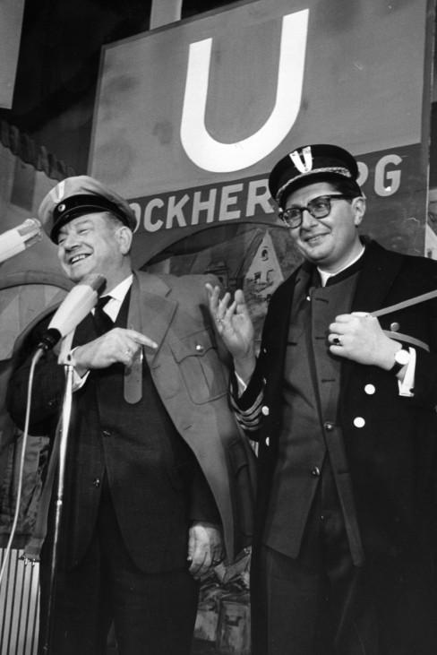 Alfons Goppel mit Hans-Jochen Vogel auf dem Nockherberg, 1965
