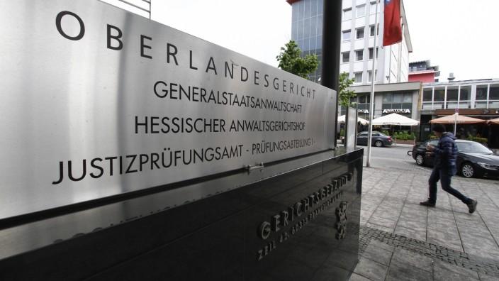 Eingang zum Gerichtsgebäude D mit Oberlandesgericht, Generalstaatsanwaltschaft, hessischer Anwaltsgerichtshof und hessis