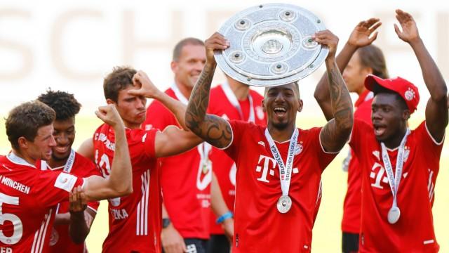FC Bayern München: Spieler feiern die Deutsche Meisterschaft 2020