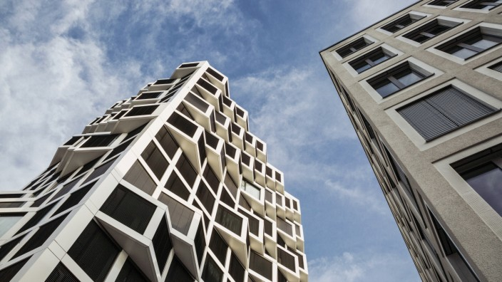 Modern high-rise residential building in Munich, Germany PUBLICATIONxINxGERxSUIxAUTxHUNxONLY MAMF01228