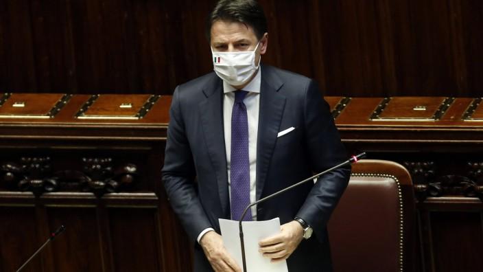 Italien, Sitzung der Abgeordnetenkammer in Rom nach Verabschiedung des EU-Hilfspaket  The Italian premier Giuseppe Conte