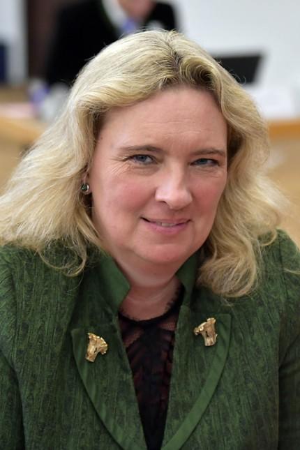 Kerstin Schreyer bei konstituierender Kreistagssitzung in München, 2020