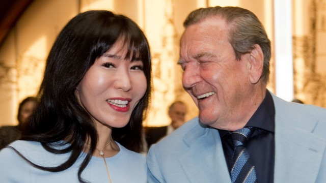 Ex-Kanzler Schröder und Ehefrau Soyeon Kim
