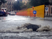 Starkregen: Eine überflutete Straße in Palermo