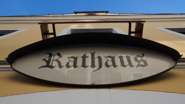 Rathaus Feature Schilder Hinweise