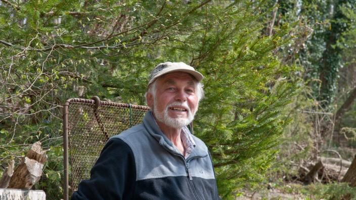 Franz Jaud in seinem Biotop bei Ebersberg, 2019