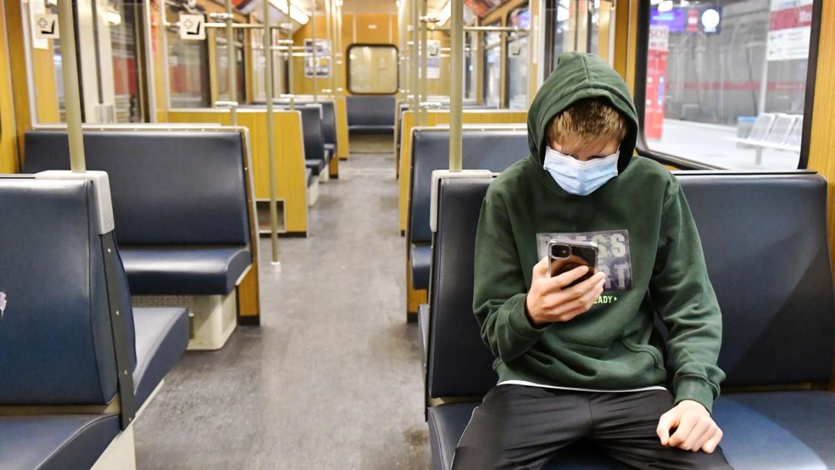 Coronavirus - Masken im Nah- und Fernverkehr