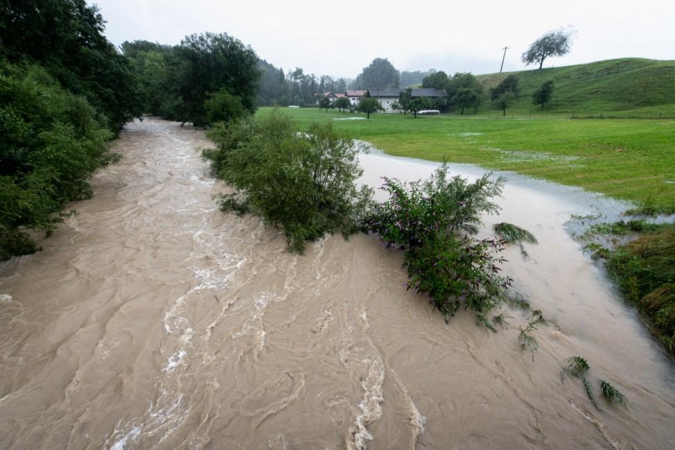 Hochwasser nach starkem Regen in Oberbayern
