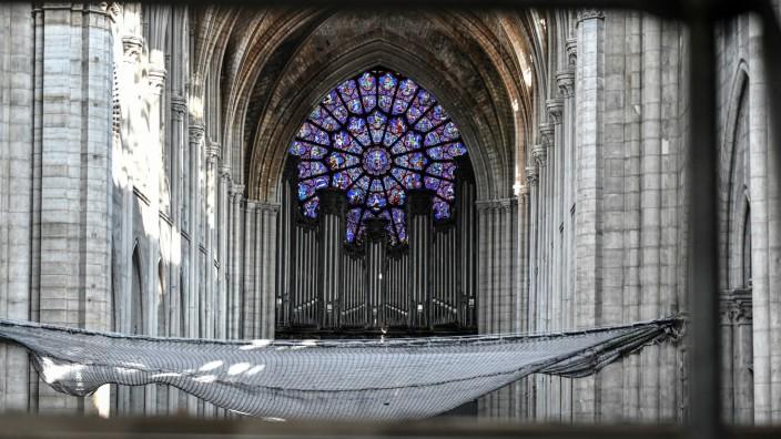Abbau der Hauptorgel von Notre-Dame