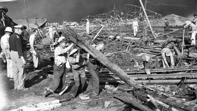Katastrophe in Beirut: Rettungskräfte in Texas City nach der Explosion.
