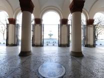 Wegen Corna-Krise geschlossene LMU in München, 2020