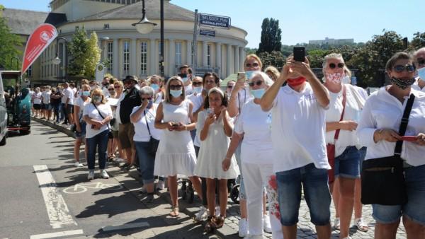Schausteller aus Deutschland, den Niederlanden und der Schweiz demonstrieren am Donnerstag (6.8.2020) in Saarbrücken, u