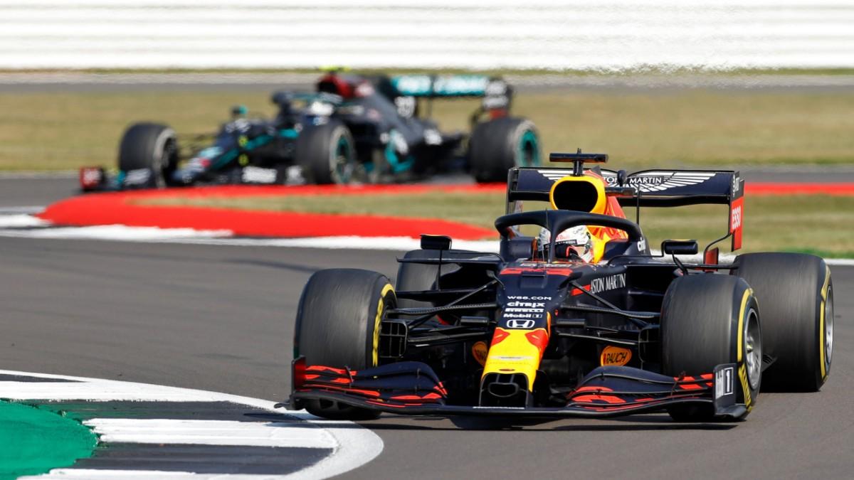 Verstappen schlägt beide Mercedes in Silverstone