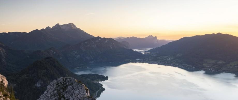Ausblick vom Schoberstein auf Attersee und Mondsee, Schafberg, Abendstimmung, Salzkammergut, Oberösterreich, Österreich,