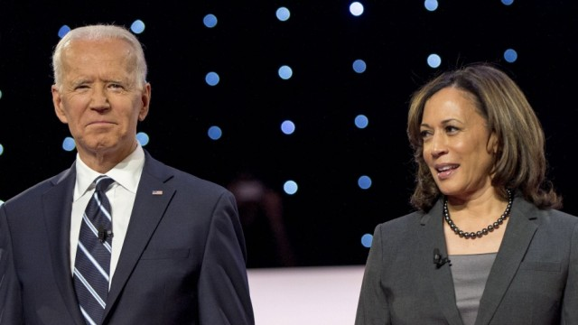 July 31, 2019 - Detroit, Michigan, U.S. - JOE BIDEN and KAMALA HARRIS pose for the photo spray during a commercial brea