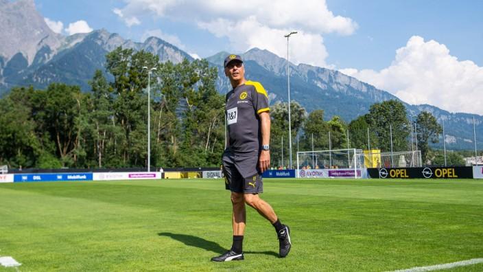 Fußball: Saison 2020/2021, Trainingslager von Borussia Dortmund am 11.08.2020 in Bad Ragaz (Schweiz). Trainer Lucien Fa