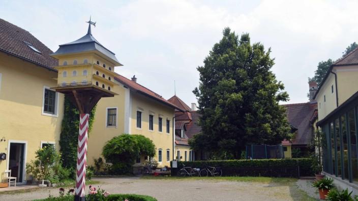 Schloss Aufhausen Innenhof