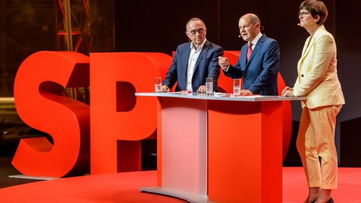 Parteivorsitzender Norbert Walter-Borjans, nominierter Kanzlerkandidat Olaf Scholz und Parteivorsitzende Saskia Esken b