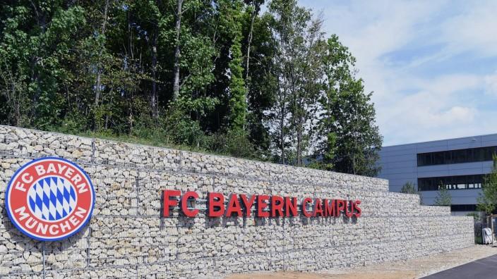 Fussball FC Bayern Muenchen Campus 02.08.2017 Aussenansicht, Schrieftzug FC Campus Muenchen PUBLICATIONxNOTxINxAUTxSUIx; Campus