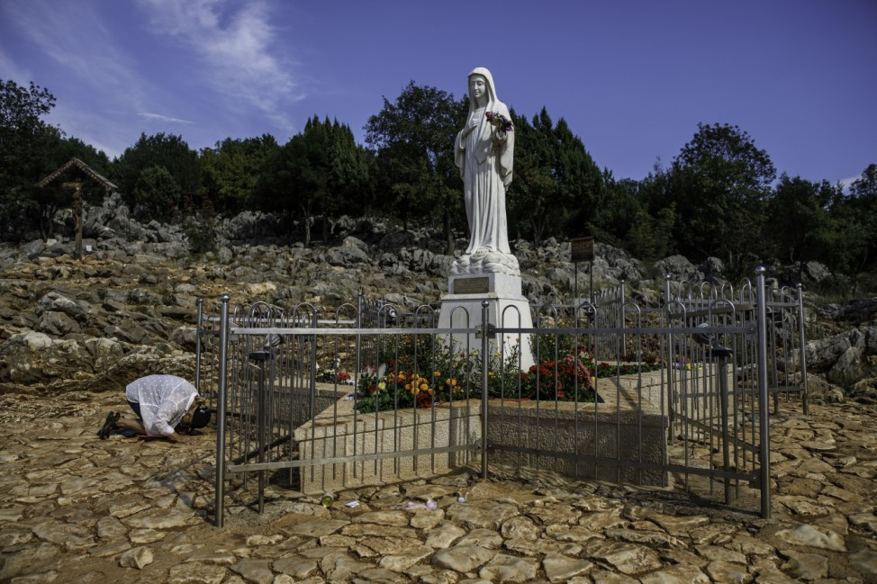 Bosnia: Pilgrims Continue Traditions Despite Coronavirus Pandemic
