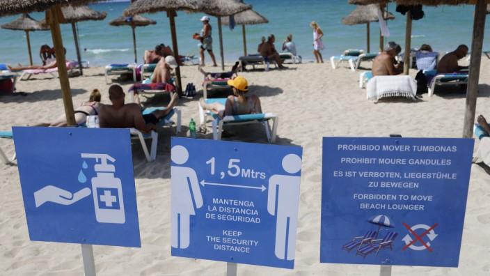 Strand von Arenal: Mallorca als Risikogebiet wegen hoher Corona-Zahlen