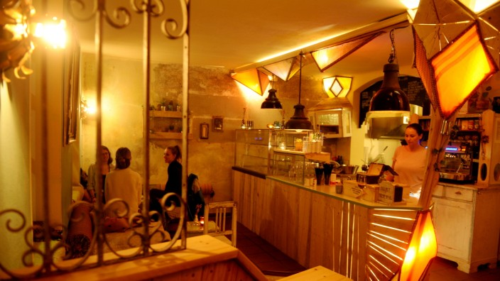 """Café """"Lozzi"""" in München, 2020"""