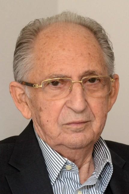 Kampfjets überfliegen Dachau: Abba Naor verfolgte die historischen Ereignisse am Bildschirm in Israel.