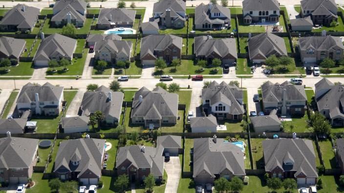 Aerial view of a suburban subdivision near Houston Texas PUBLICATIONxINxGERxSUIxAUTxONLY Copyright