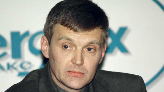 File photo of Litvinenko, then an officer of Russia's state security service FSB, attending a news conference in Moscow
