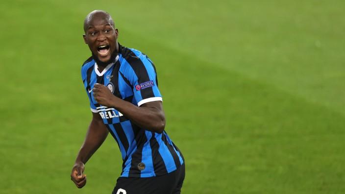 Fußball: Bald wieder bei Chelsea? Romelu Lukaku könnte das Inter-Trikot wieder ablegen.