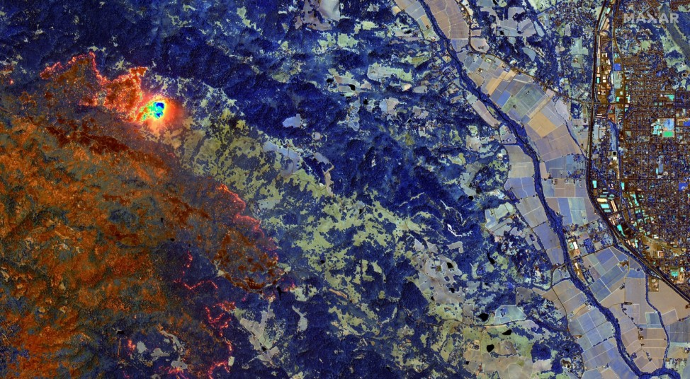 SWIR satellite image shows LNU Lightning Complex wildfire burning in Sonoma County