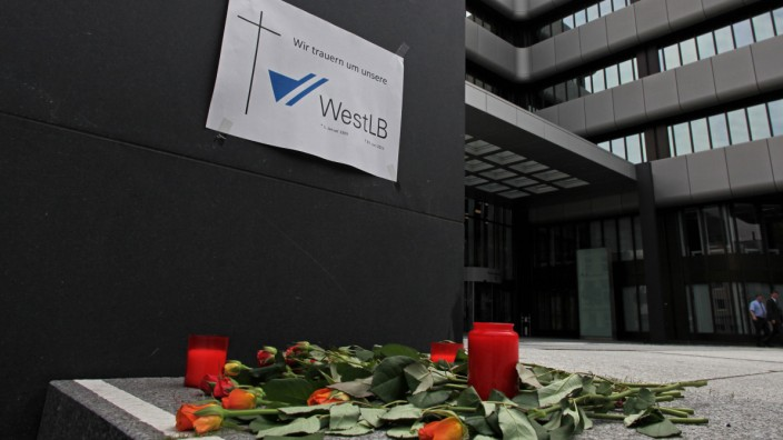 Ende der Landesbank WestLB Copyright JOKER AlexanderxStein JOKER120703410388