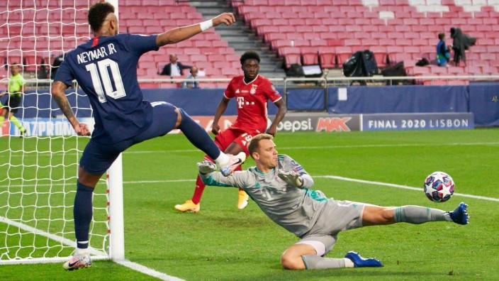 Manuel Neuer hält im Champions-League-Finale 2020 gegen Neymar