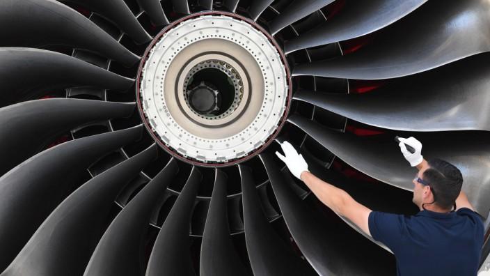Triebwerkfertigung bei Rolls-Royce