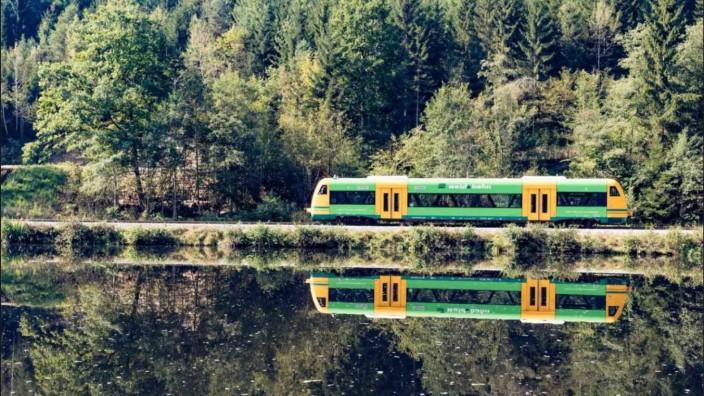 Diese Region wird auch Bayerisch Kanada genannt. Doch mit der Waldbahn wird man dort wohl bald nicht mehr unterwegs sein können. (Foto: Klaus Dieter Neumann / Die Länderbahn).