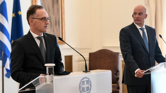 Heiko Maas bei einem Besuch in Griechenland mit Außenminister Nikos Dendias