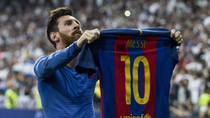 Themen der Woche - Sport Bilder des Tages - SPORT Leo Messi of FC Barcelona Barca celebrates after scoring a goal durin