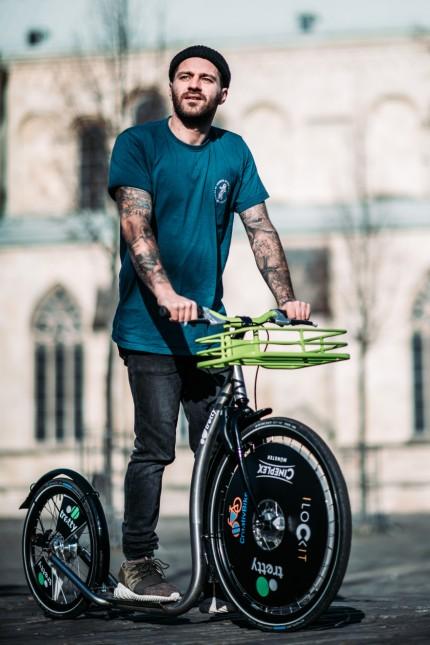 Muskelkraft: Große Reifen, langer Radstand: Die Tretty-Roller erinnern mit ihren Maßen eher an Fahrräder.