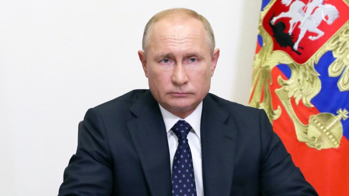 Russischer Präsident Putin bei Kabinettssitzung
