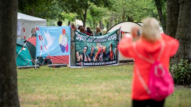 Querdenken-Camp im Berliner Tiergarten