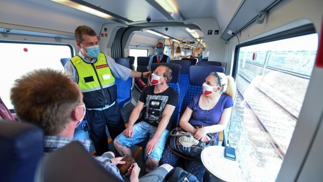Kontrollen der Maskenpflicht in der Bahn