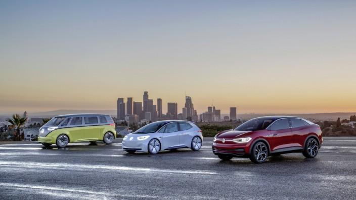 Volkswagen Showcars I.D. BUZZ, I.D. und I.D. CROZZ (v.l.n.r.); Volkswagen