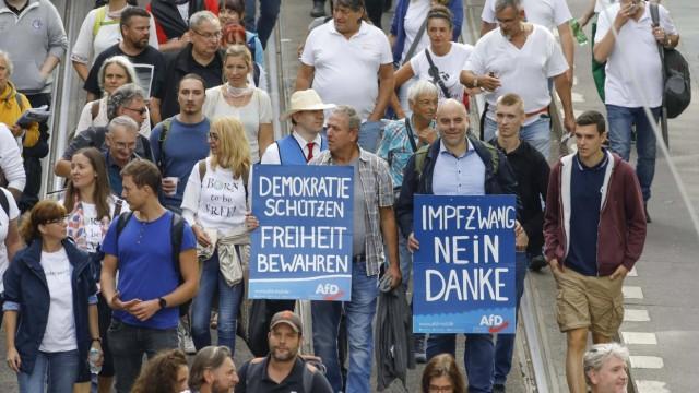 Demo Corona Gegner Berlin, DEU, 29.08.20220 - Corona Gegner, in Berlin demonstrieren zum zweiten Mal Tausende Corona-Le